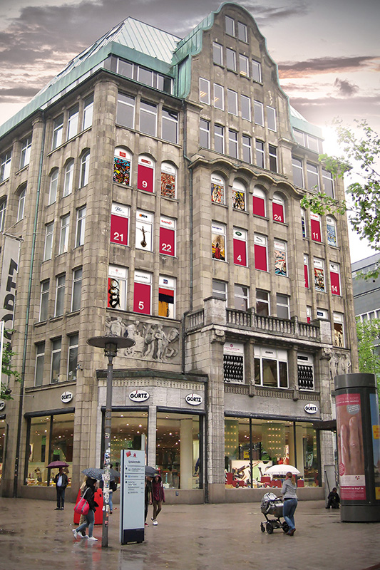 86412c8ba79cec Spitalerstraße 11 20095 Hamburg Tel. +49 40 3571760 www.goertz.de.  Öffnungszeiten  Mo-Fr 10 00-20 00 Uhr Sa 09 30-20 00 Uhr
